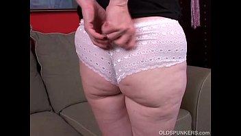Порно видео старушку в толстую жопу 142