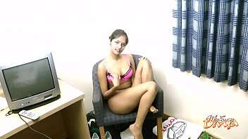 Indian College Girl Divya Dirty Sex Chat