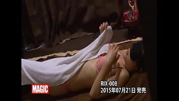 【水着熟女・人妻の動画】ビキニ美女たちがエステで惚れ薬もられて欲情して施術師とSEXしちゃいますww