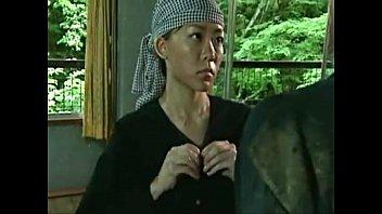 【kunnni】捕虜の男にまたがる女兵士。顔面騎乗位で強制クンニ!巨尻が騎乗位でたっぷんたっぷん!