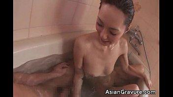 冬月かえでがお風呂で主観フェラ 最後は顔射