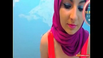 Hot arab babe dancing with hijab on