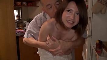【熟女・人妻のナンパ動画】素人人妻女性をナンパして自宅に突撃潜入のアダルト撮影