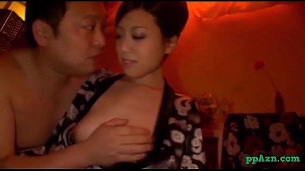【下着】汗だくの美女の動画。網タイツにセクシー下着履いた爆乳美女と汗だく濃密セックス