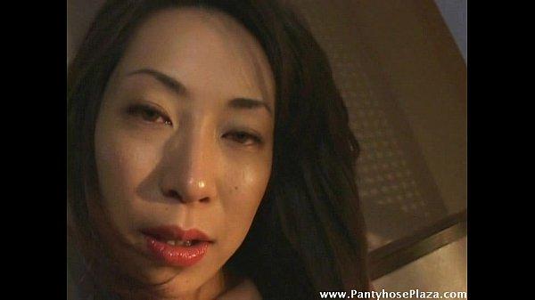 (ヒトヅマ・主婦の塩ふき・おなにームービー)セックスフレンドに指導されてるヒトヅマが早く性器を挿れて欲しくて命じられるままにおなにー