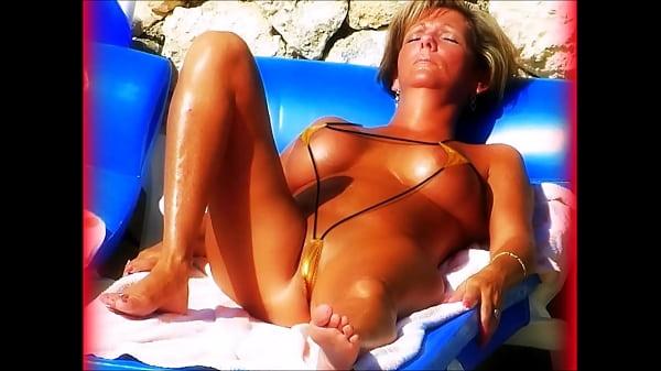 Cameltoe micro bikini gold enrique club