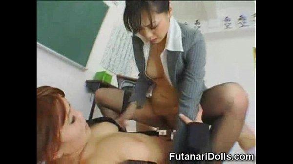 【痴女】ふたなり女子に跨ってレ◯プしちゃうエロ痴女教師堀口奈津美