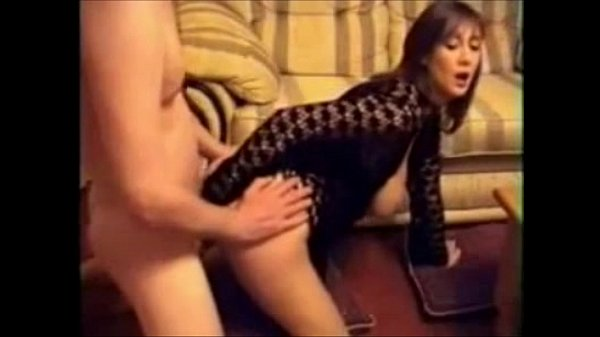 Videos de Sexo Pagando boquete gostoso pro primo