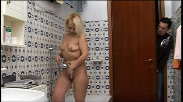 Hot mature mom caught on the shower by young...