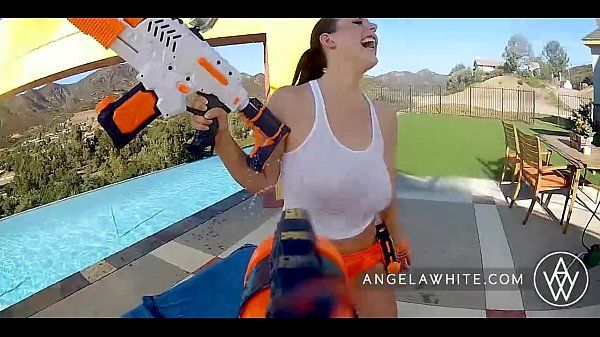 11 Min Huge Tits Angela White And Dani Daniels Loves Playing And Sucking Each Other