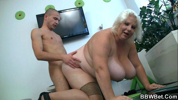 homo striptease köpenhamn mogna mammor