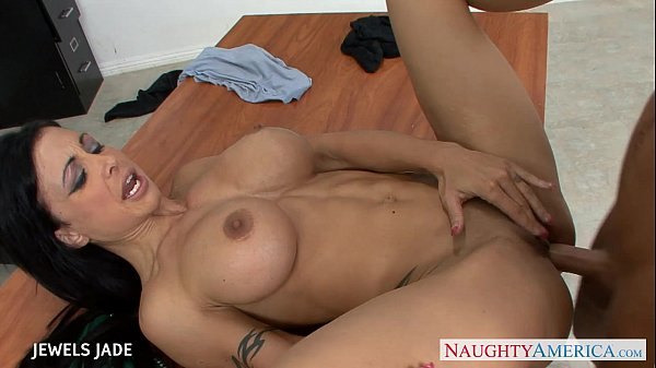 Tattooed jewels jade fuck in classroom Thumb25