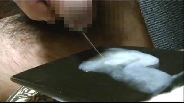 【ウホ】素人ヒゲ男が何度も射精して溜めた超特濃ザーメンを自らの口で味わっちゃいます♂【閲覧注意】