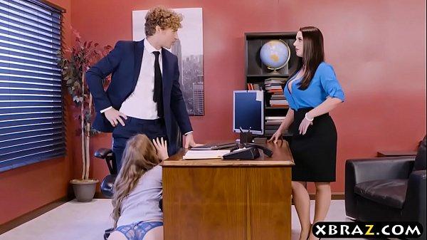 上班偷吃總經理藍瘦香菇頭被抓到~董監事小穴好美說也要一起來3p爽