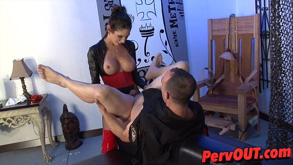 ,strapon,mistress,femdom,pegging