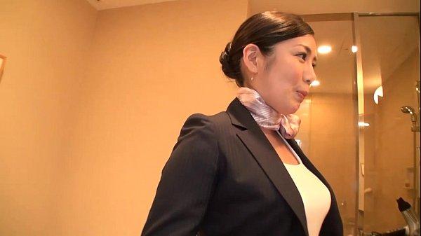 【コスプレ妻動画】素人妻をCAのコスプレさせてハメ撮り!!