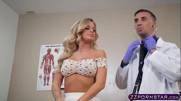 Пришла на осмотр к гинекологу и была трахнута