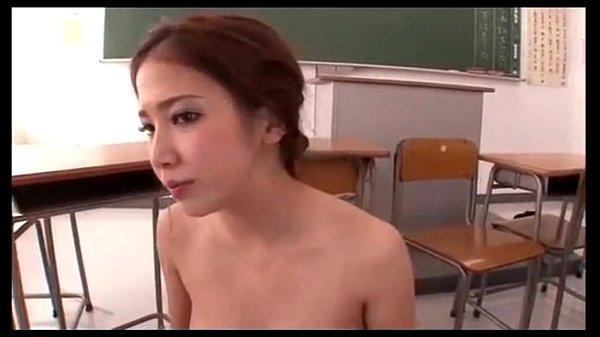 XVIDEO 友田彩也香 女教師集団フェラ
