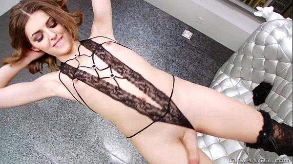 Vídeo travesti punhetando cacetão
