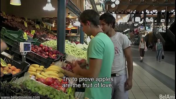 Смотреть онлайн как геи ебутся на кухне