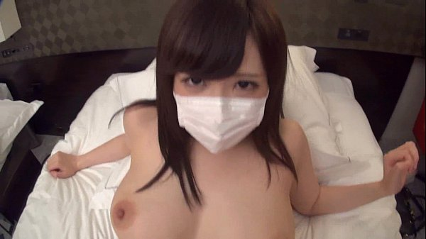 マスクで身バレを防ぐ巨乳のお姉さんとハメ撮りしてパイズリが最高