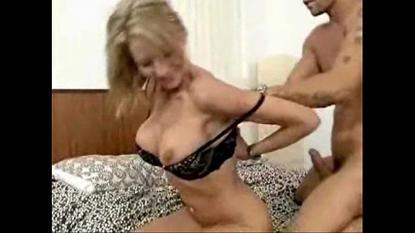 Videos de Sexo Mrs starr gets banged by her sons friends