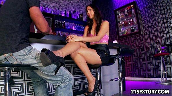 porno-aziatok-russkuyu-studentku-otodrali-vtroem-video-onlayn-porno-lesbiyanok