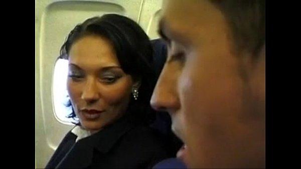 旅客機の中でCAからエロエロサービス