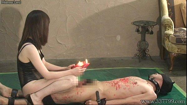 ボンテージの女王様が拘束した2人のM男相手に蝋燭を垂らしまくっちゃう素人|イクイクXVIDEOS日本人無料エロ動画まとめ
