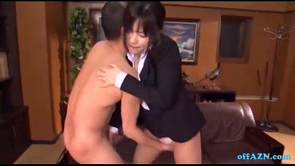 美人秘書のお仕事は社長のマラをご奉仕フェラすることでした