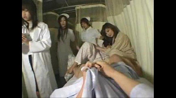 Порно групповуха с медсестрой