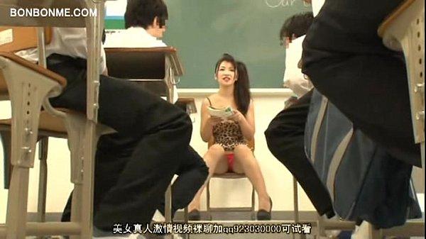 【女教師】ボディコン女教師のせいで授業に集中出来ない童貞男子生徒!パンチラ見ようと必死で勃起が止まらない!