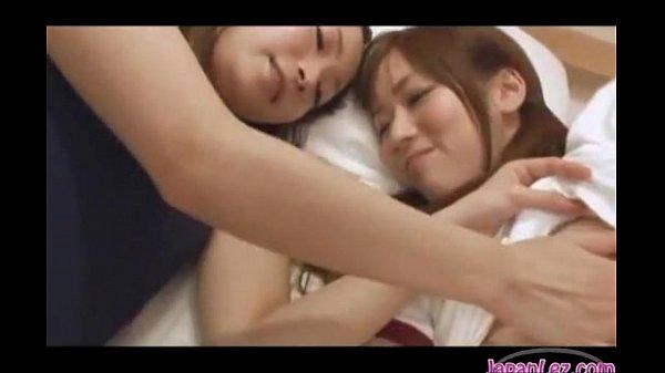スク水とブルマ姿の二人の美少女がレズってる XVIDEOS日本人 無料エロ動画まとめ