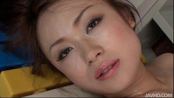 瀬織さら美乳のモデルオネエさんが全身ヌルヌルになりながらおなにー披露してくれる動えろムービーwww瀬織さら