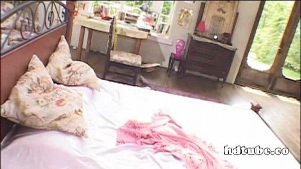 【オナニー】お嬢様のオナニー動画。お嬢様がオナニーをおっ始め使用人に濃厚ベロチューで誘惑