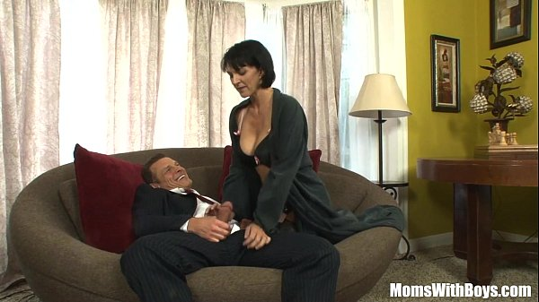 MILF Reporter Roxanne Hall Fucking The Horny...