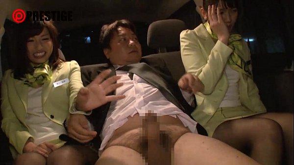 グリーンの制服を着たOL風の3人組に性接待を受けるという天国