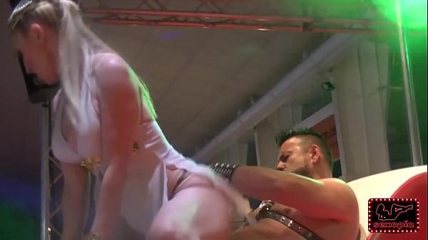 Daniela evans y árcangel en salón erótico de murcia 2015. sexopía.