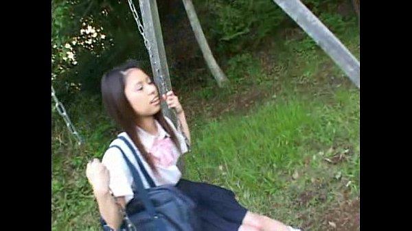 無修正 ケツがプリプリしたルーズソックス制服JKを犯しまくる動画がヌケすぎたwwwの無料エロ動画