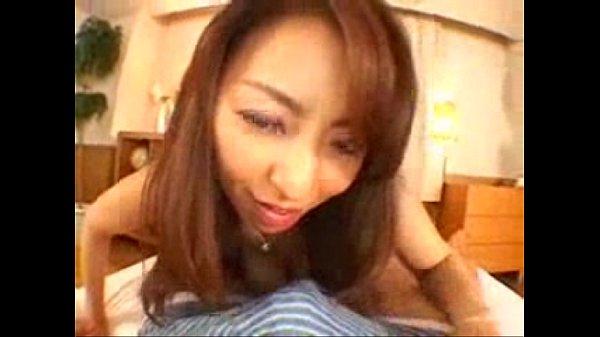 四十代の尻軽女オバサンが尻コキをする 村上涼子