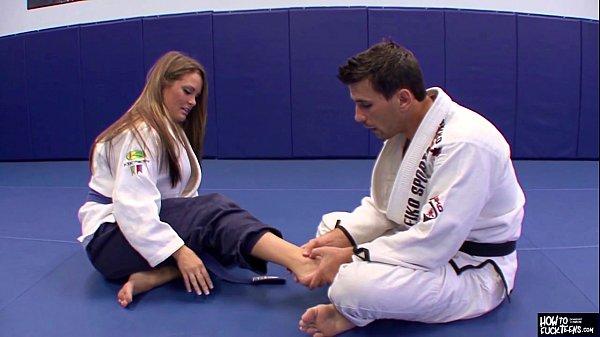 Cum Sa Iti Futi Instructorul De Judo