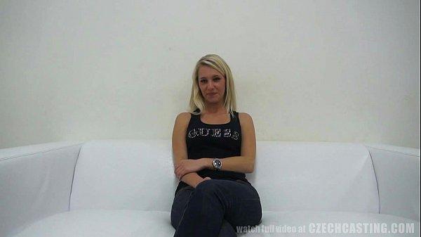 Imagen video Enculada bien puesta a una rubia bastante facilota con tremendas piernas y caderas
