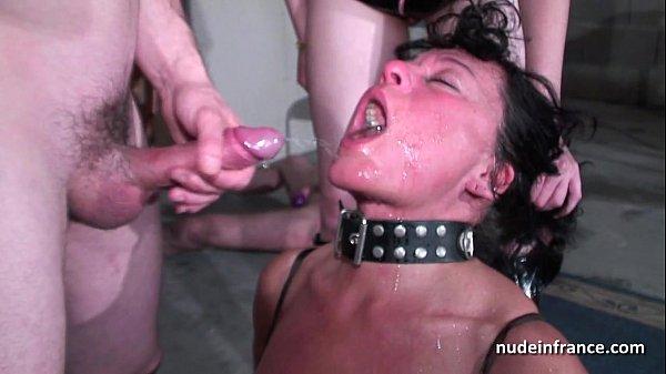 Мастер и рабыня, Француженки, Обнажённая грудь