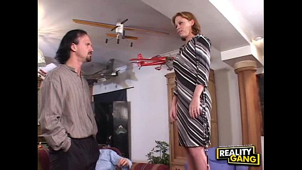 Amee Donovan Needs a Job (Full) - Reality Ga...