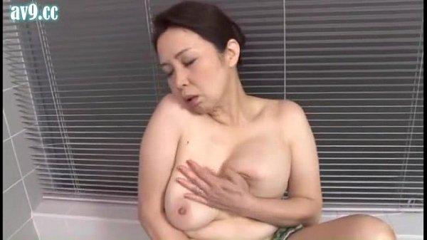 【暮町ゆうこ/五十路/風呂】豊満な爆乳おっぱいのおばさんが入浴している