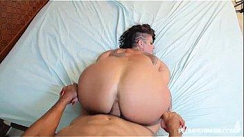 woman that like sucking cocj nude