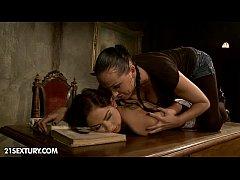Mandy Bright punishes Melon