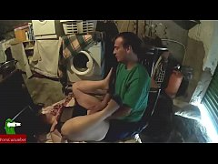 Scrubbing the fat woman's pussy ADR006