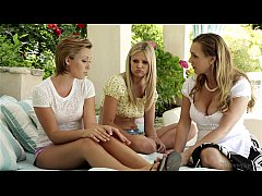 Scarlet Red, Tanya Tate and Bailey Bae at  Momm...