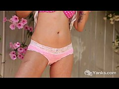 Kinky Yanks Honey Zahra Stardusts Masturbating
